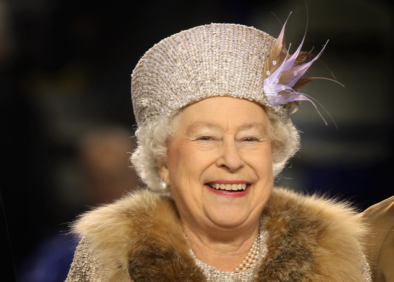 Korta .UK domäner. Inte bara för drottningen längre.